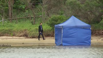A mans body has been found on a beach in Wollongong.