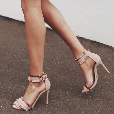 "<p>Wear it with...</p> <p><a href=""http://www.tonybianco.com.au/kimi-blush-kid-suede.html"" target=""_blank"" draggable=""false"">Tony Bianco Kimi Blush Kid Suede Heels, $189.95</a></p>"