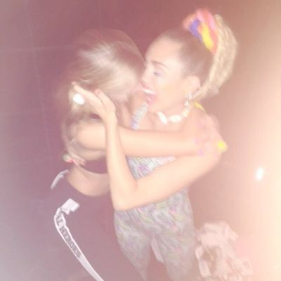 <p>Miley and rumoured girlfriend Stella Maxwell. Love or just close pals?</p>