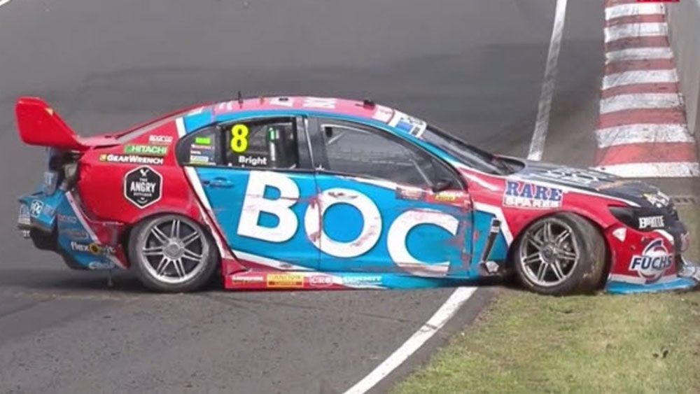 Bathurst: Crash brings out first safety car