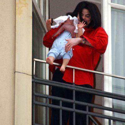 """<p>Bigi """"Blanket"""" Jackson (aka Prince Michael Jackson II) and Michael Jackson</p>"""