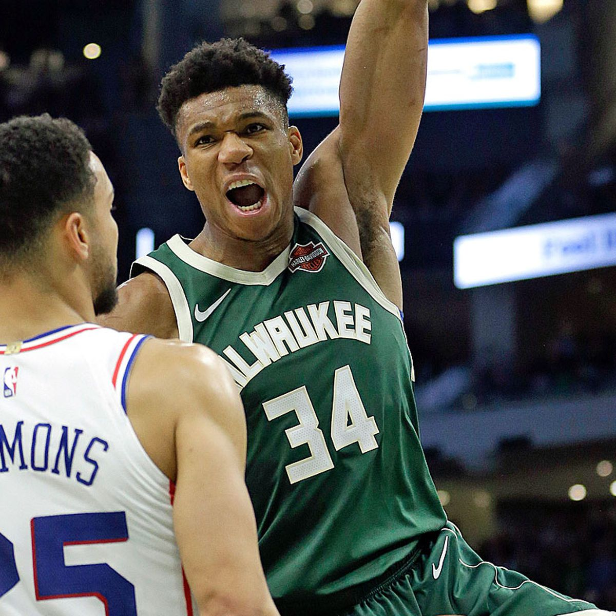 Ben Simmons And Giannis Antetokounmpo Dunk On Each Other As Philadelphia 76ers Down Milwaukee Bucks To Clinch Nba Play Off Spot