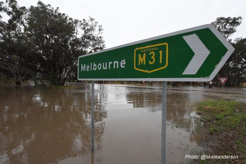 Flooding on the Hume Freeway. (Twitter via SES)