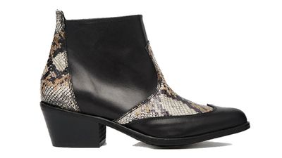 "<a href=""http://www.asos.com/au/River-Island/River-Island-True-Leather-Faux-Snakeskin-Western-Boots/Prod/pgeproduct.aspx?iid=5058151&amp;cid=4172&amp;sh=0&amp;pge=3&amp;pgesize=204&amp;sort=-1&amp;clr=Black&amp;totalstyles=1573&amp;gridsize=3""> True Leather Faux Snakeskin Boot, $157, River Island</a>"