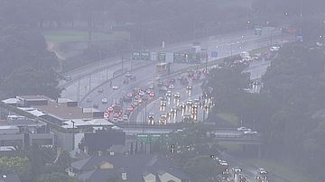 Sydney's road network is experiencing heavy delays due to the wild weather today. (9NEWS)
