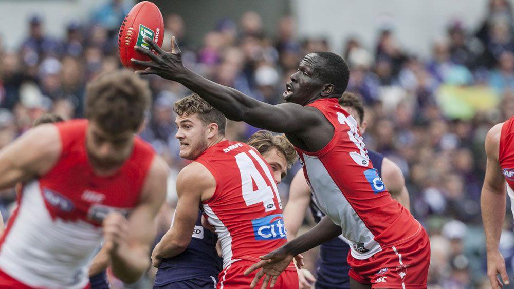 Sydney trounce Dockers in Pavlich's 350th