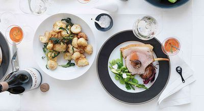 """<a href=""""http://kitchen.nine.com.au/2016/05/16/19/21/roasted-crown-of-pork"""" target=""""_top"""">Roasted crown of pork with figs and onions</a>"""