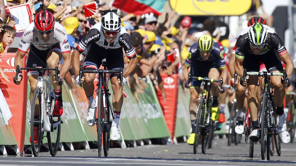 Australia's Michael Matthews takes stage 16 of Tour de France with thrilling sprint finish