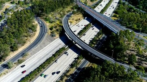$1 billion has been put on the table to fix Queensland's problem-plagued M1 motorway. (9NEWS)