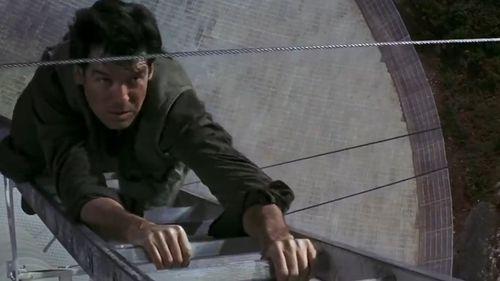 James Bond GoldenEye: Bond vs Trevelyan.