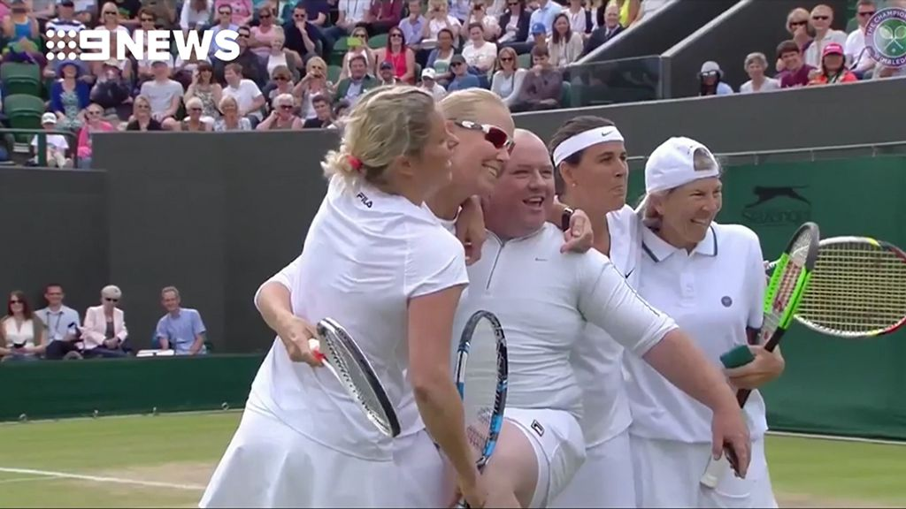 Kim Clijsters invites heckler onto Wimbledon court