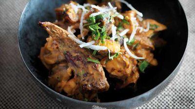 "Recipe:&nbsp;<a href=""http://kitchen.nine.com.au/2017/08/10/15/12/caldin-mushroom-curry-cogumelo-kari"" target=""_top"">Caldin mushroom curry (cogumelo kari)</a>"