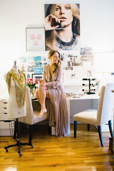 "Jeweller <a href=""https://www.samanthawills.com/?gclid=EAIaIQobChMIiqGIjKjb1gIVkn69Ch1NrgN_EAAYASAAEgICgvD_BwE"" target=""_blank"">Samantha Wills's</a> home office in New York."