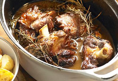 <strong>Lamb shanks stock pot</strong>