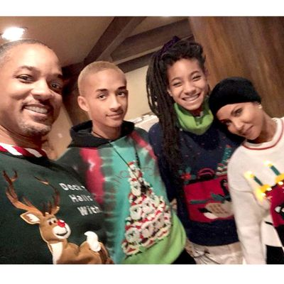 Will Smith Christmas Sweater.Celebrities With Weird Christmas Holiday Traditions