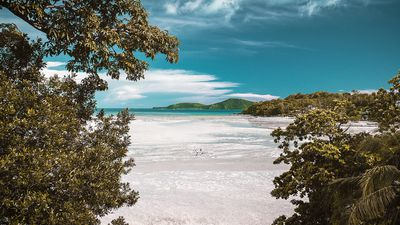 14. Freedom Beach, Phuket, Thailand - 247 pictures per metre