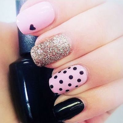This chic and minimalist manicure hits all the right nail notes.