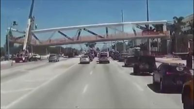 The terrifying moment of Florida bridge collapse