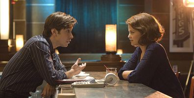 He's Just Not That Into You movie scene talking at bar