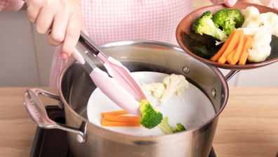 How to steam veggies with not steamer basket
