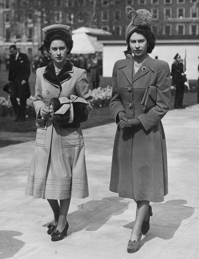 Princess Margaret and Queen Elizabeth, Grosvenor Square, London, April 1948