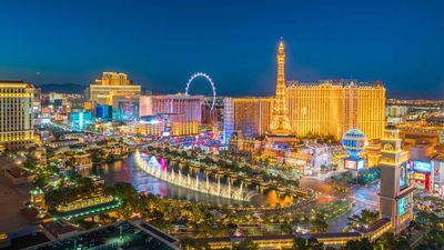 Cupcake ATMs, anyone? 10 reasons to visit Las Vegas – that aren't gambling
