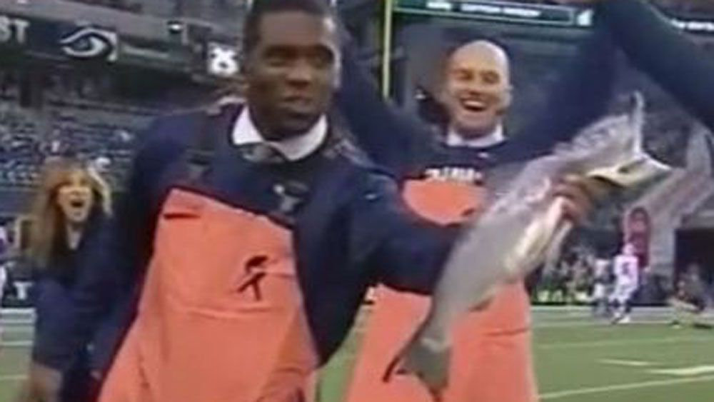 NFL great pulls off one-handed catch - of a salmon