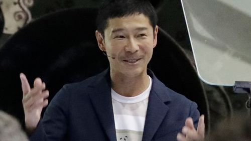 Japanese billionaire gives away $12 million to 1000 Twitter followers