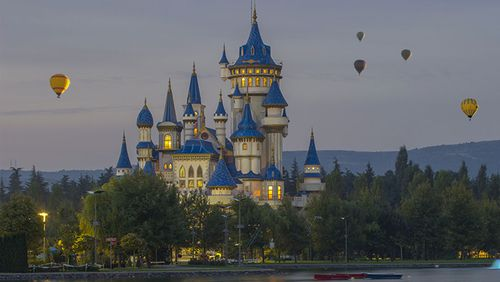 Disney is closing is California theme parks.