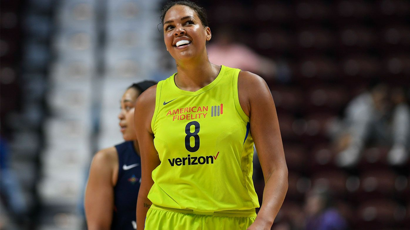 Liz Cambage dominates, sets WNBA record with 53 points