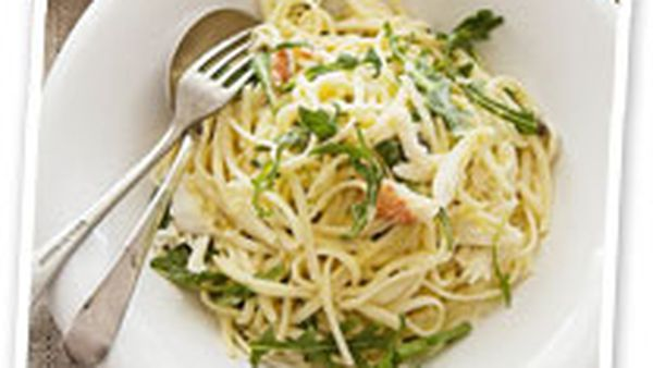 Linguine with crab and lemon