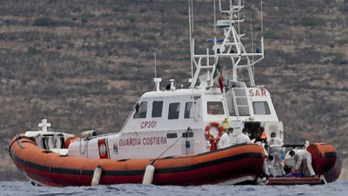 More than 200 migrants feared drowned off Italian coast