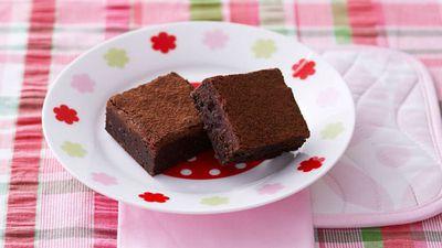 "<a href=""http://kitchen.nine.com.au/2016/05/17/10/14/chocolate-fudge-brownies"" target=""_top"">Chocolate fudge brownies</a>"
