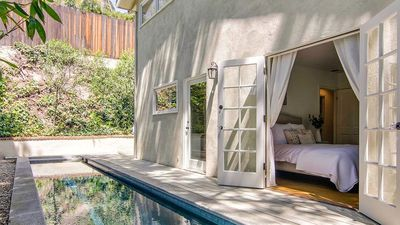 Vince Vaughn finally sells beautiful Hollywood home