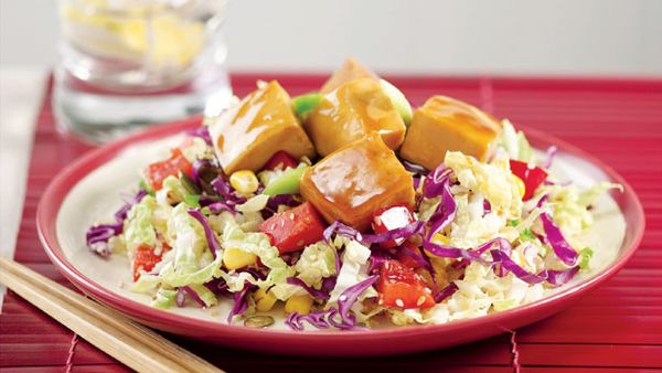 Tofu and red cabbage salad
