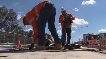 Uni students to help build Canberra's light rail network