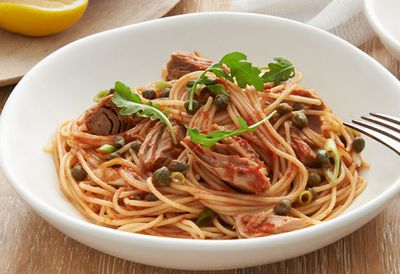 "Recipe: <a href=""/recipes/ituna/9097599/spaghetti-with-tuna-lemon-and-capers "" target=""_top"">Spaghetti with tuna, lemon and capers</a>"