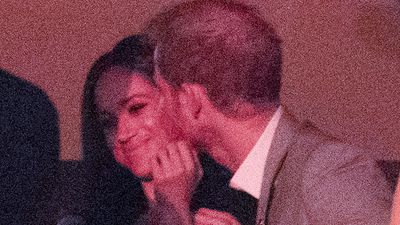 Prince Harry and Meghan Markle relationship: Couple share secret kiss at Invictus Games, October 2017