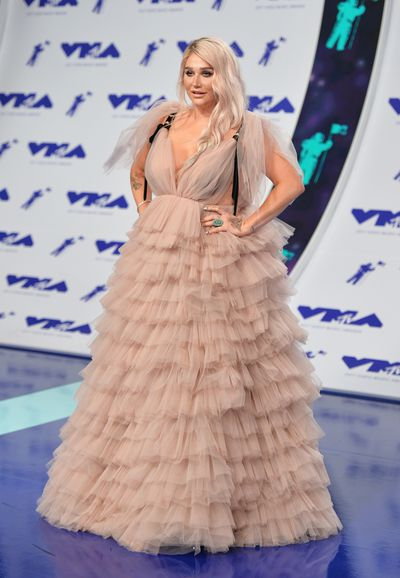 <p>LOSE</p> <p>Kesha in Monsoori at the MTV VMAs in LA on August 29.</p> <p>I'm looking for the spare toilet roll beneath the skirt of this dress.</p>