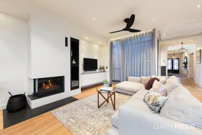 "<strong><a href=""https://www.domain.com.au/46e-regent-street-elsternwick-vic-3185-2013899391"" target=""_blank"" draggable=""false"">Jason and Sarah&nbsp;</a></strong>"