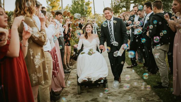 Bubble of love: Anna Claire and 'Jimbo' Waldrop on their wedding day. Image: Lexie Merlino Photography/Pinterest