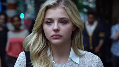 Chloë Grace Moretz plays a former New York Post reporter Susannah Cahalan in the Netflix documentary Brain on Fire.