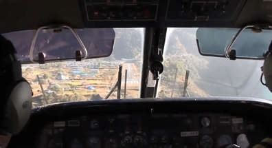 Pilots make their bumpy descent into Luikla airport