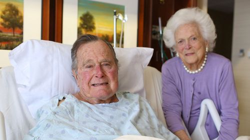Former President George H.W. Bush and his wife Barbara pose for a photo at Houston Methodist Hospital in Houston in 2017. (AP)