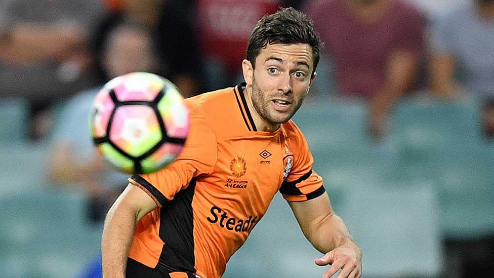 Tommy Oar is staying with the Brisbane Roar. (AAP)