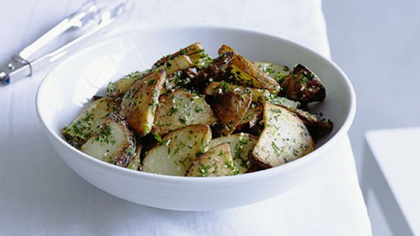 Potatoes sauteed with garlic and walnut oil