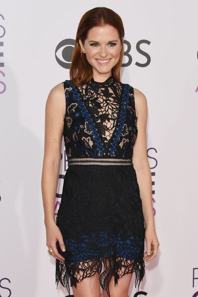 <p>Sarah Drew wore a navy blue and black Self Portrait dress with a daring lace panel.</p> <p>Image: Getty.</p>