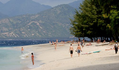 Australians warned of possible Bali and wider Indonesia terror threat over New Year's break
