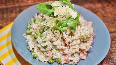 "Recipe:&nbsp;<a href=""http://kitchen.nine.com.au/2017/08/08/17/38/chicken-mince-and-pea-risotto"" target=""_top"">Chicken mince and pea risotto</a>"