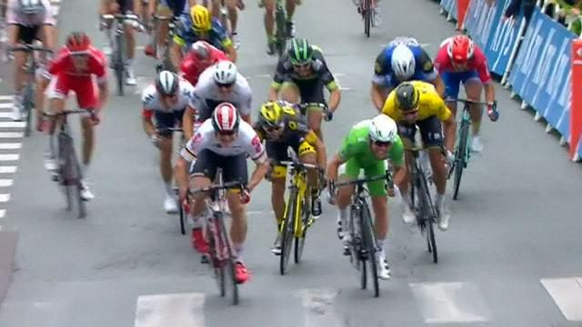 Cavendish wins Tour stage in thrilling photo finish